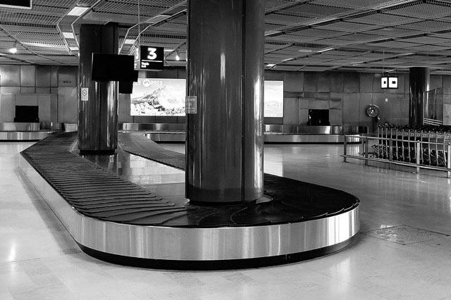 空港の手荷物受取所