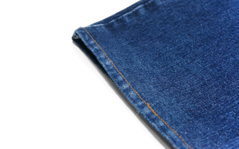 アタリが出たジーンズの裾