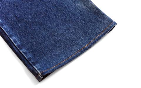 アタリがないジーンズの裾