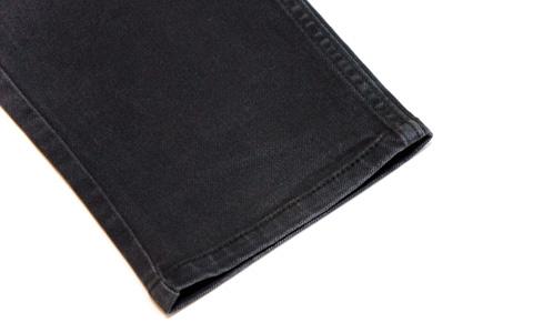 ストレッチジーンズの裾-2