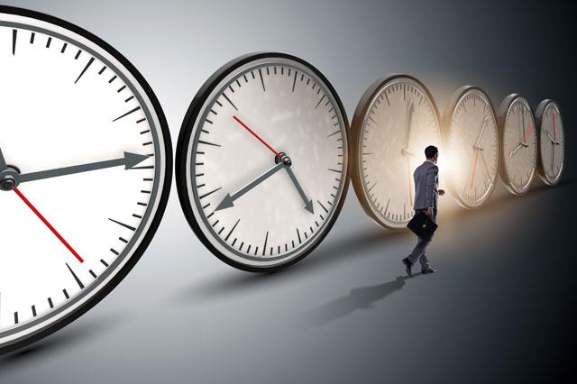 時計と男性