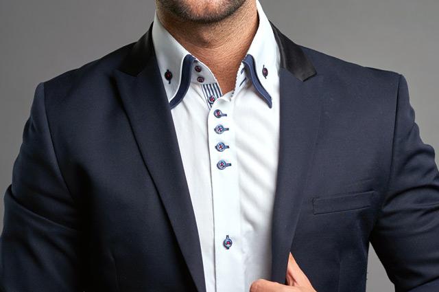 ドゥエボットーニのシャツ