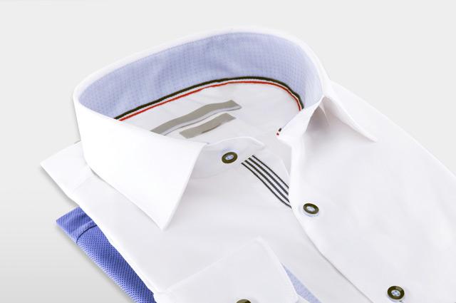 裏地がストライプのシャツ