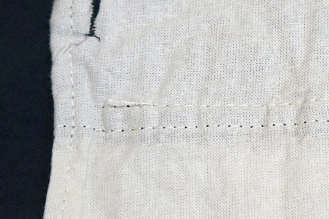 ポケットのしつけ糸(裏側)