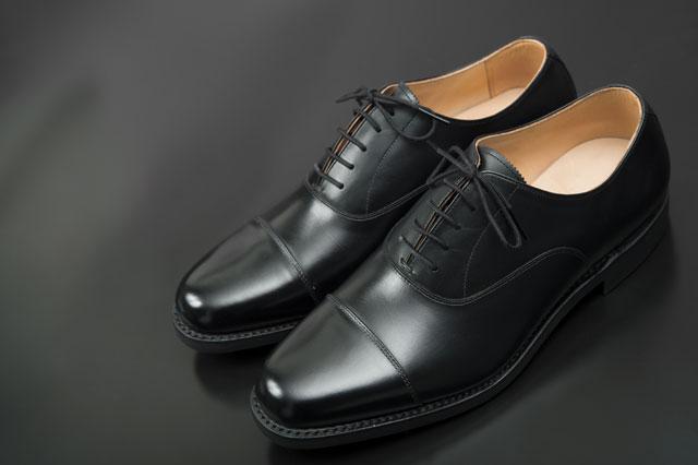 ストレートチップの靴
