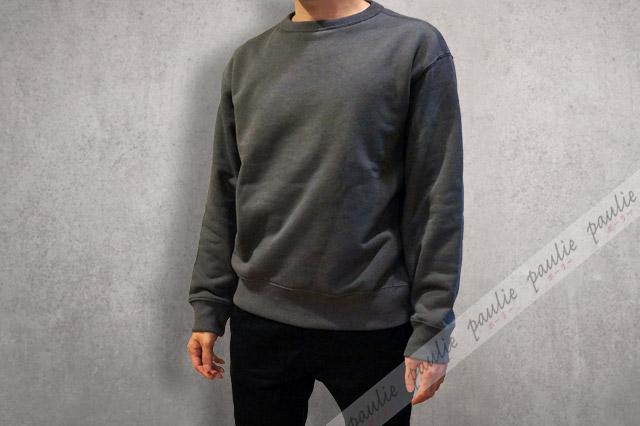 ワイドフィットスウェットシャツの着画-1