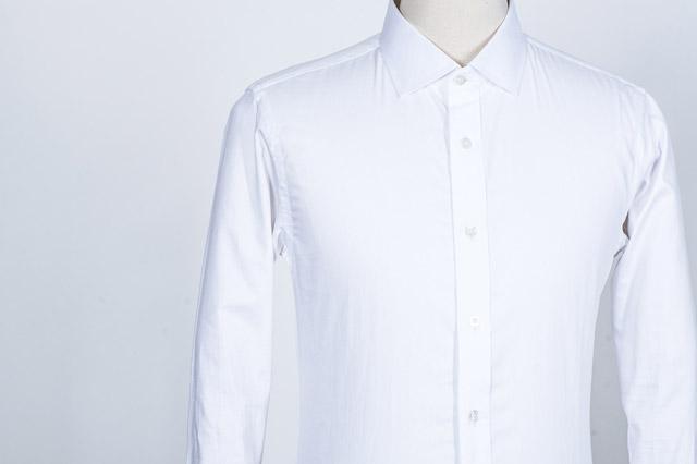 結婚式用の白シャツ